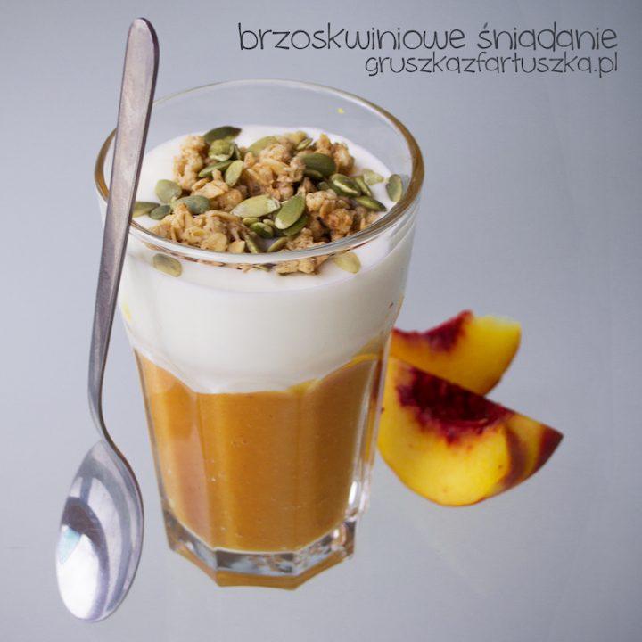 brzoskwiniowe śniadanie