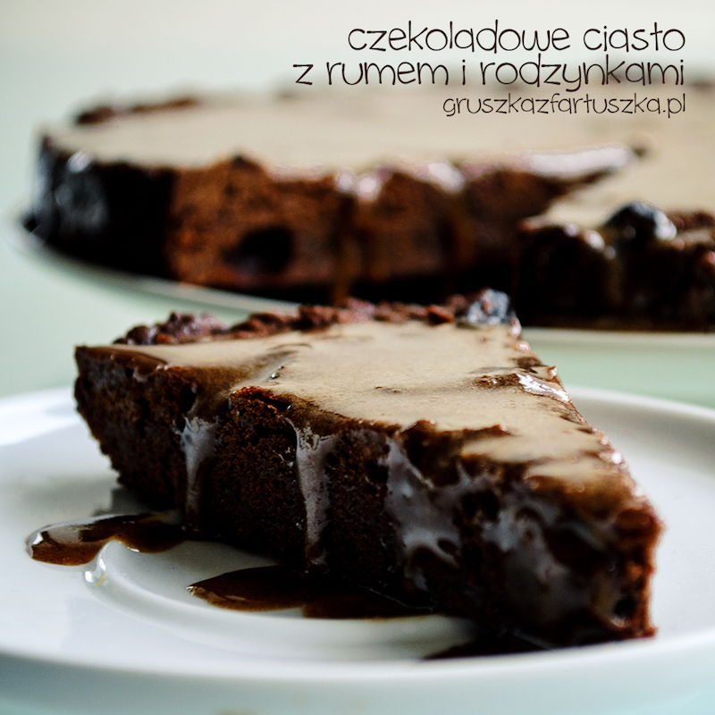 ciasto czekoladowe z rumem i rodzynkami