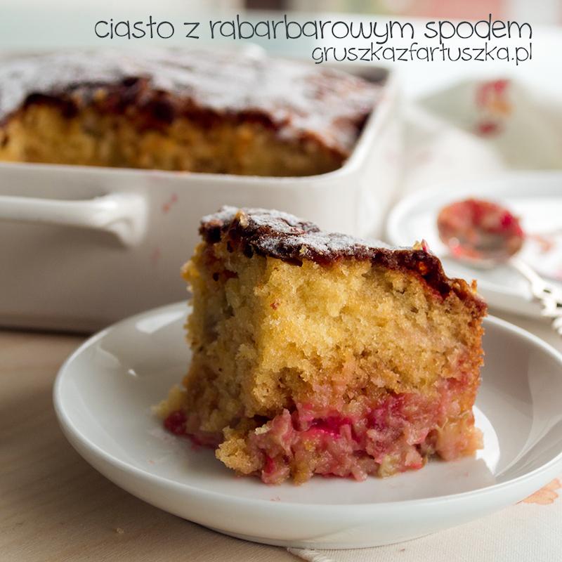 ciasto z rabarbarowym spodem