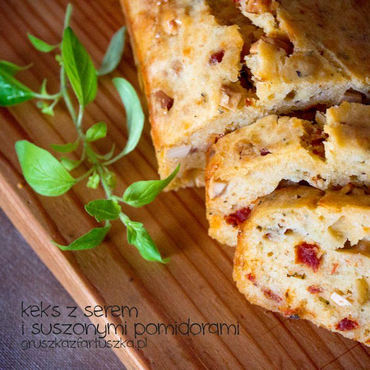 keks z serem i suszonymi pomidorami