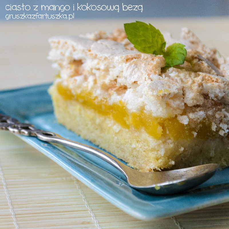 ciasto z mango i kokosową bezą