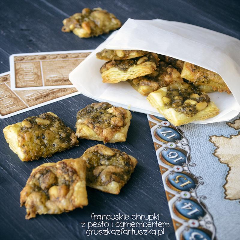 francuskie chrupki z pesto i camembertem