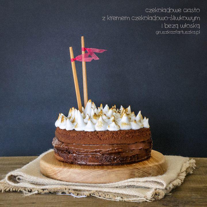 czekoladowe ciasto z kremem czekoladowo-śliwkowym i bezą włoską
