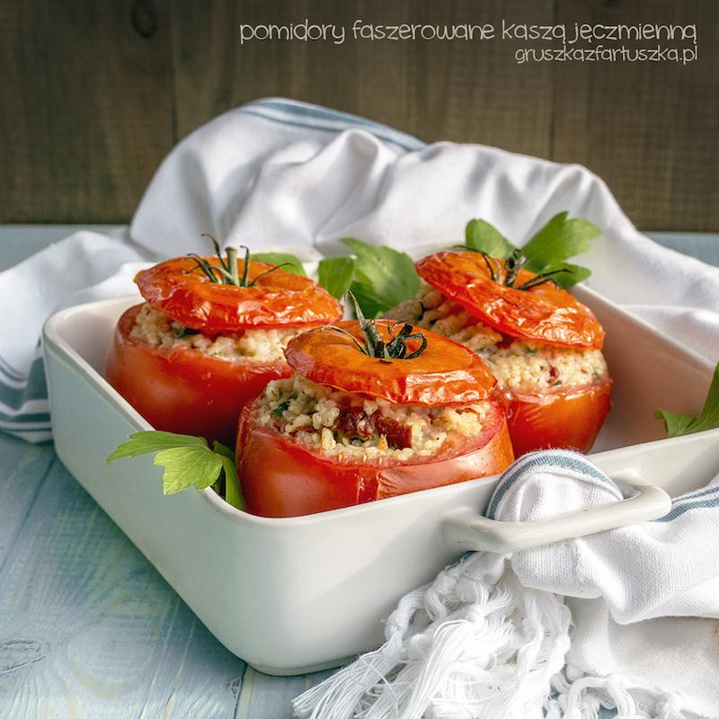 pomidory faszerowane kaszą jęczmienną
