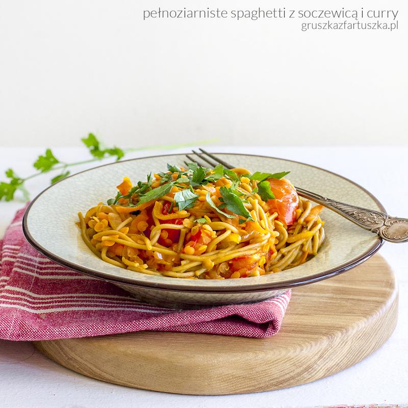 pełnoziarniste spaghetti z soczewicą i curry