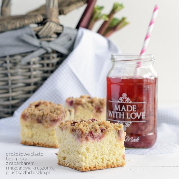 Jak zrobić udany piknik i pyszne ciasto drożdżowe z rabarbarem?