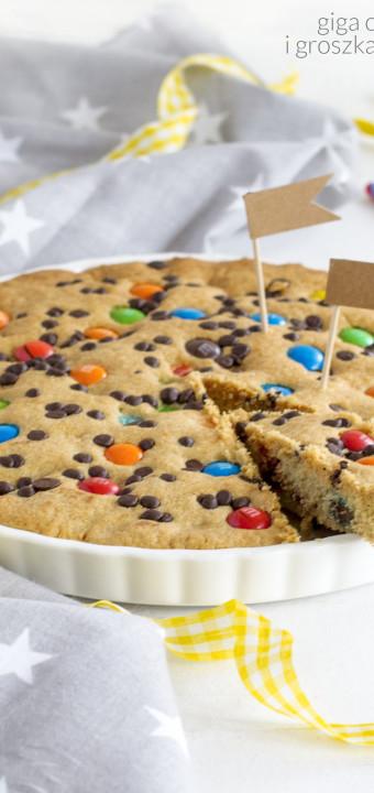 wpis sentymentalny i przepis na gigantyczne ciastko z m&m'sami