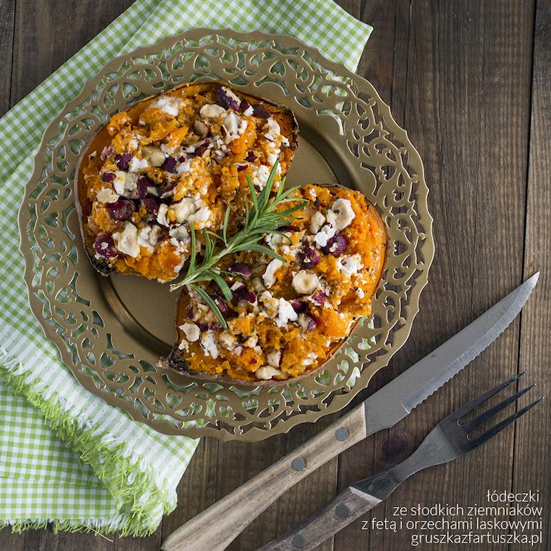 łódeczki ze słodkich ziemniaków z fetą i orzechami laskowymi