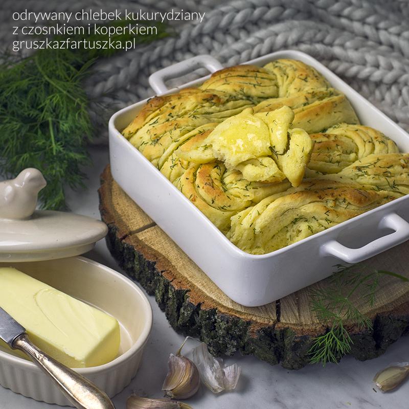 odrywany chlebek kukurydziany