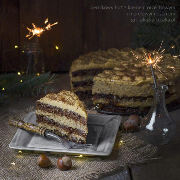 piernikowy tort z kremem orzechowym i dżemem morelowym i życzenia (nie tylko) na Święta!