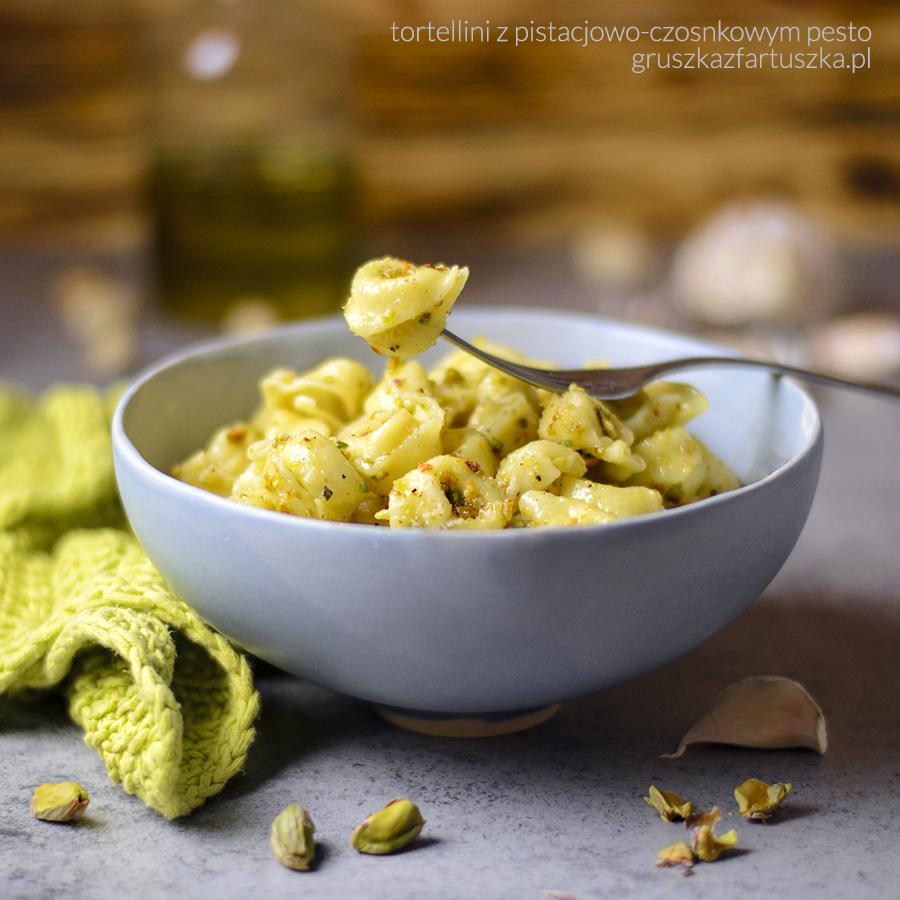 tortellini z czosnkowo pistacjowym pesto