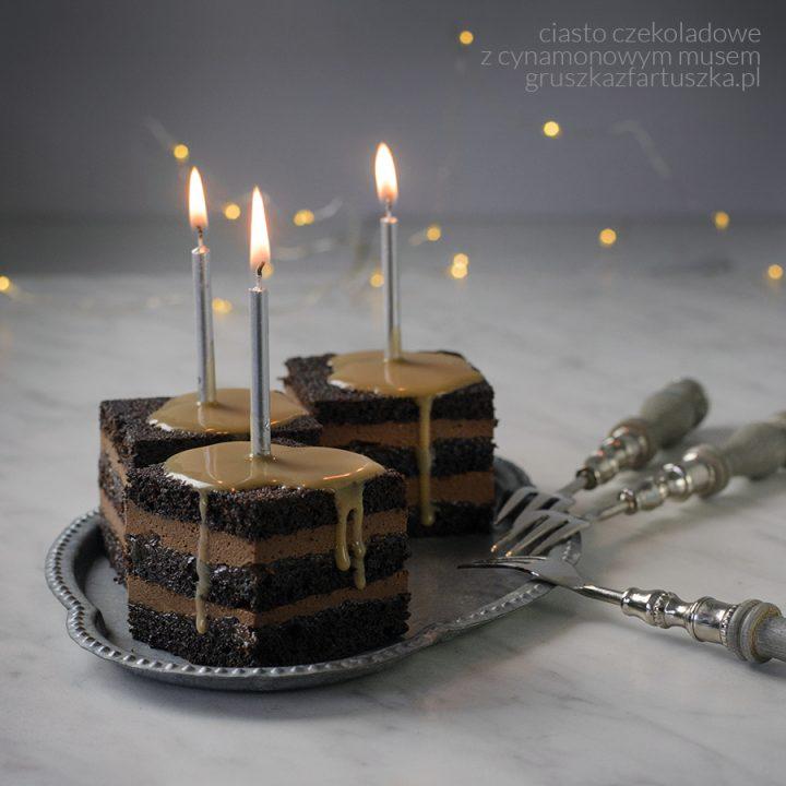 ciasto czekoladowe z cynamonowym musem