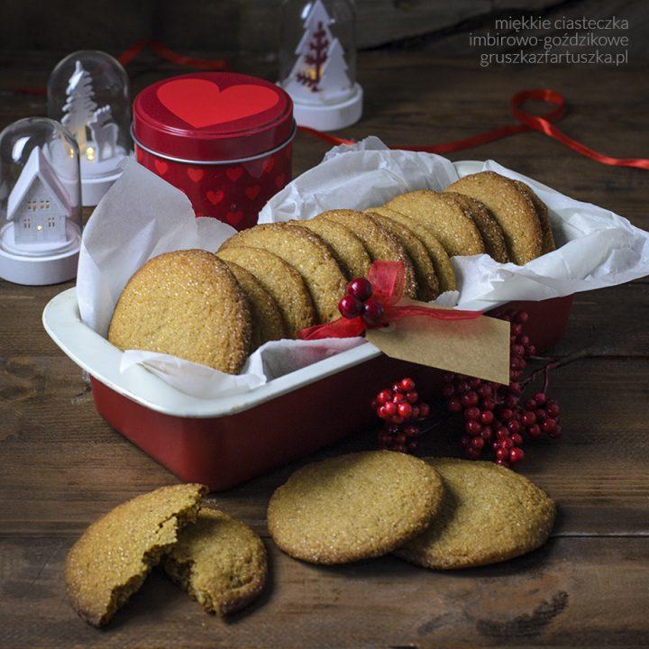 miękkie ciasteczka imbirowo-goździkowe